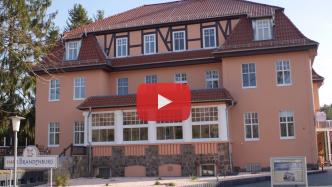 Videoproducer Marcus Mötz mit einem Imagefilm über das Haus Brandenburg am Stechlinsee
